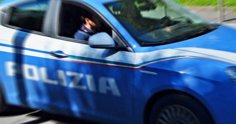 Polizia, Arresto giovane marocchino per maltrattamenti in famiglia